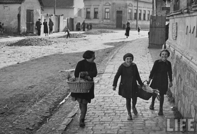Діти з єврейських родин, Мукачево, 1939