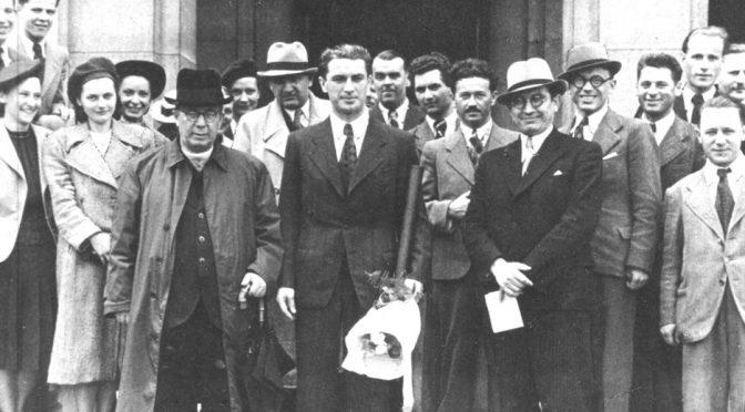 Президент о. Агустин Волошин, члени уряду та Вікентій Шандор, Праза, квітень, 1939