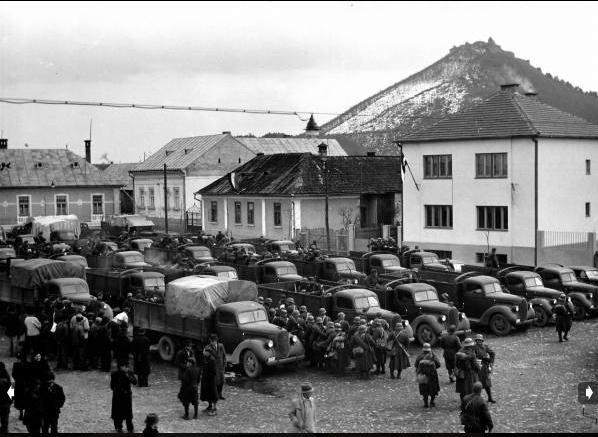Мадярська піхота висаджується в Хусті. 17-18 березня 1939 р. Фото Вільяма Вандіверта.