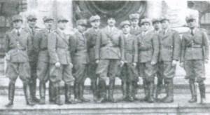 Фотографія групи січовиків зблизька біля австрійського парламенту. 16 січня 1939 р.
