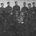 Поручник Іван Кедюлич з групою вояків ВВН у Коросні 30 вересня 1939 року