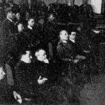 Засідання Сойму Карпатської України, у першому ряді сидить о. А. Волошин