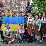 Пластуни біля пам`ятника Т. Шевченка, 25 квітня 2015