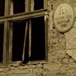 """Зруйнована терористами будівля. Кадр з фільму """"Срібна Земля"""", режисер Тарас Химич, 2012"""