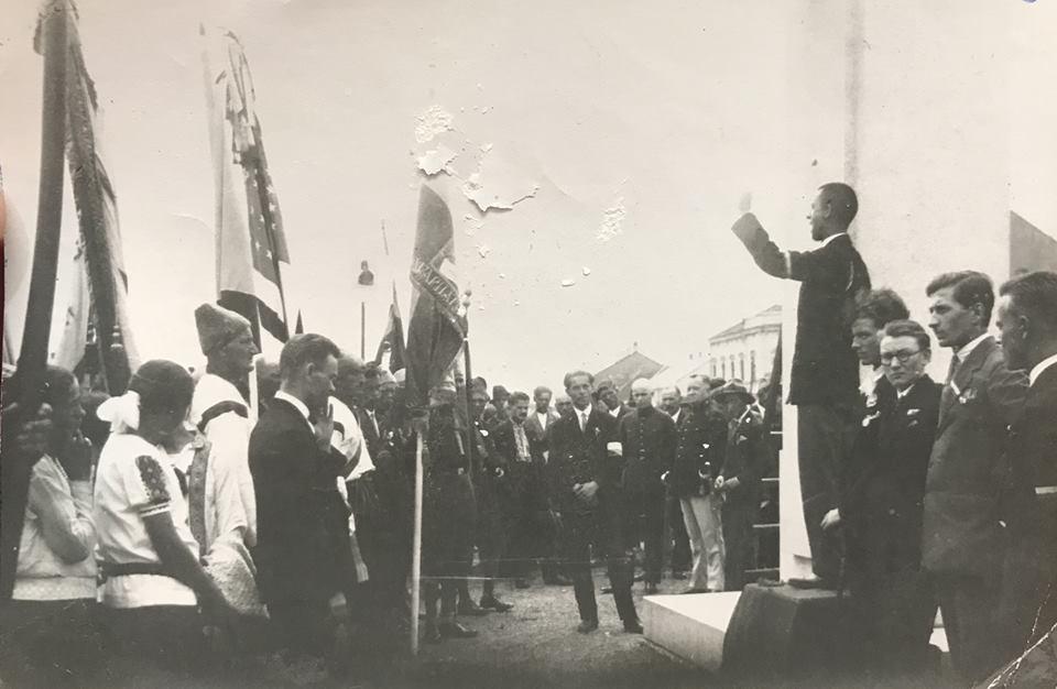 Урочистий з'їзд з нагоди відкриття будинку Просвіти в Ужгороді. 1928 рік.