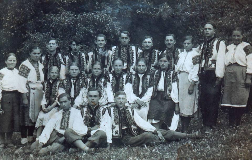 Просвітянський хор села Росішка на Рахівщині. 1930-ті.