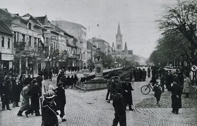 Центр Мукачева у листопаді 1938 р. після включення південно-західної частини краю до складу Угорщини