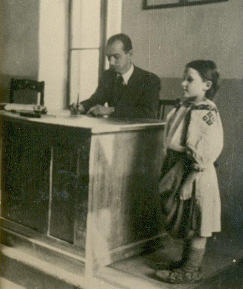 Іван Рознійчук – учителем в Лисичеві (1.Х.1942 - 12. VІ.1943)